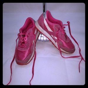 Reebok girls sz 3 shoes